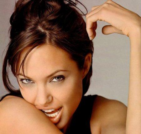 Почему мужчины любят красивых женщин?