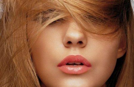 Каким образом можно в домашних условиях осветлять волосы?