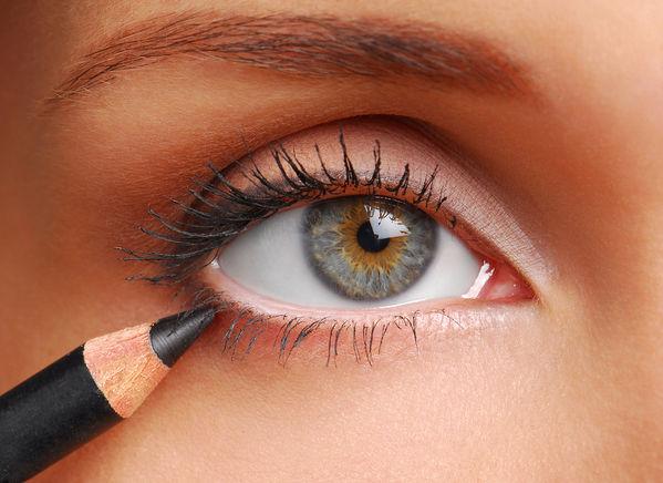 Макияж глаз карандаш