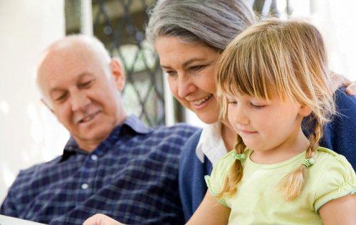Дети и старшее поколение