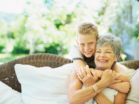 Что делать, если бабушка сильно балует внука