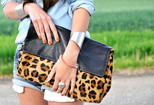 Модный тренд: сумка-конверт