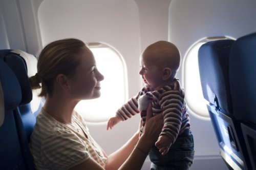 С какого возраста допустим авиаперелет с ребенком?
