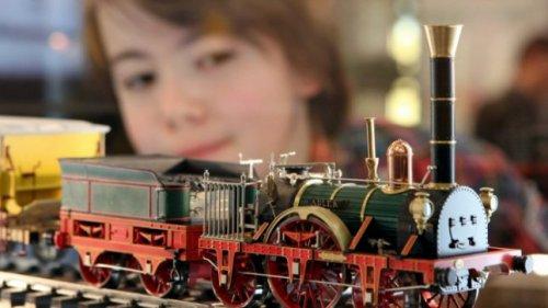 Покупаем для малыша железную дорогу