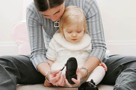 Какие нюансы следует учесть при покупке обуви для ребенка