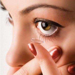 Преимущества и недостатки контактных линз