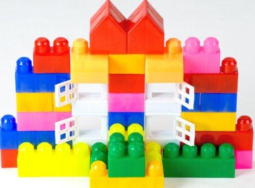 Преимущества пластиковых конструкторов