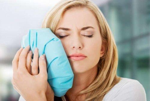 Как в домашних условиях избавиться от зубной боли?