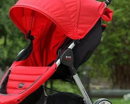 Какую коляску выбрать для малыша: внимание на аксессуары
